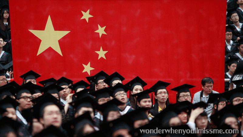 สหรัฐฯยกเลิกวีซ่า ได้เพิกถอนวีซ่าสำหรับชาวจีนมากกว่า 1,000 คนภายใต้การประกาศของประธานาธิบดีเมื่อวันที่ 29 พฤษภาคมเพื่อระงับการเข้าประเทศจีนของนักศึกษาและนักวิจัยที่ถือว่ามีความเสี่ยงด้านความปลอดภัยตามรายงานของกระทรวงการต่างประเทศสหรัฐฯชาดวูล์ฟผู้รักษาการหัวหน้ากระทรวงความมั่นคงแห่งมาตุภูมิสหรัฐ