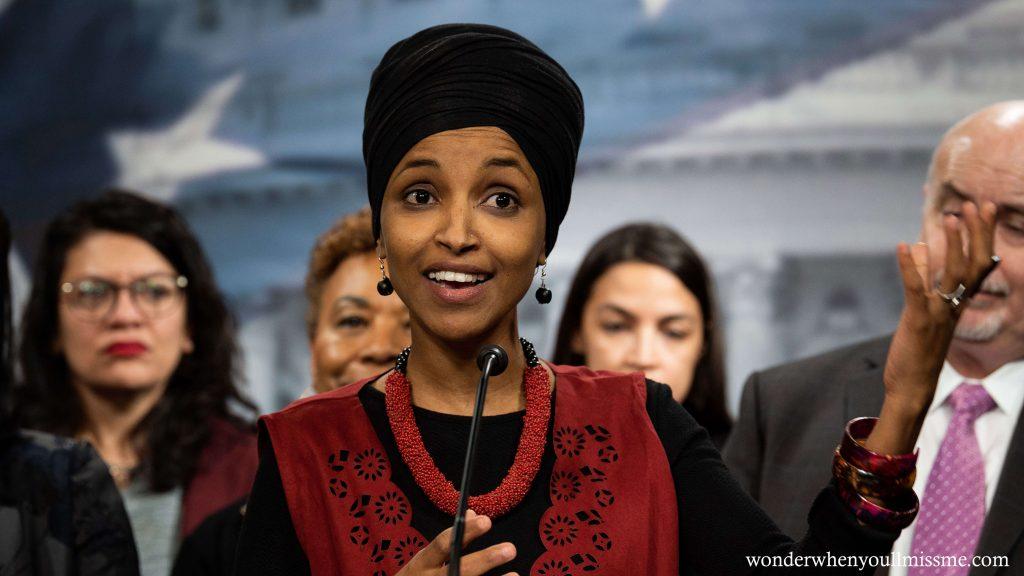 Ilhan Omar ผู้แทนสหรัฐฯได้ออกใบเรียกเก็บเงินเมื่อวันอังคารเพื่อลงโทษมกุฎราชกุมารโมฮัมเหม็ดบินซัลมาน (MBS) ของซาอุดีอาระเบียสำหรับบทบาทของ