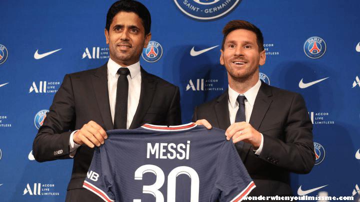 Messi signs ในที่สุด ลิโอเนล เมสซี่ ก็ได้เซ็นสัญญากับปารีส แซงต์-แชร์กแมง (เปแอสเช) ที่คาดหวังไว้อย่างกระตือรือร้นเพื่อเสร็จสิ้นการย้าย
