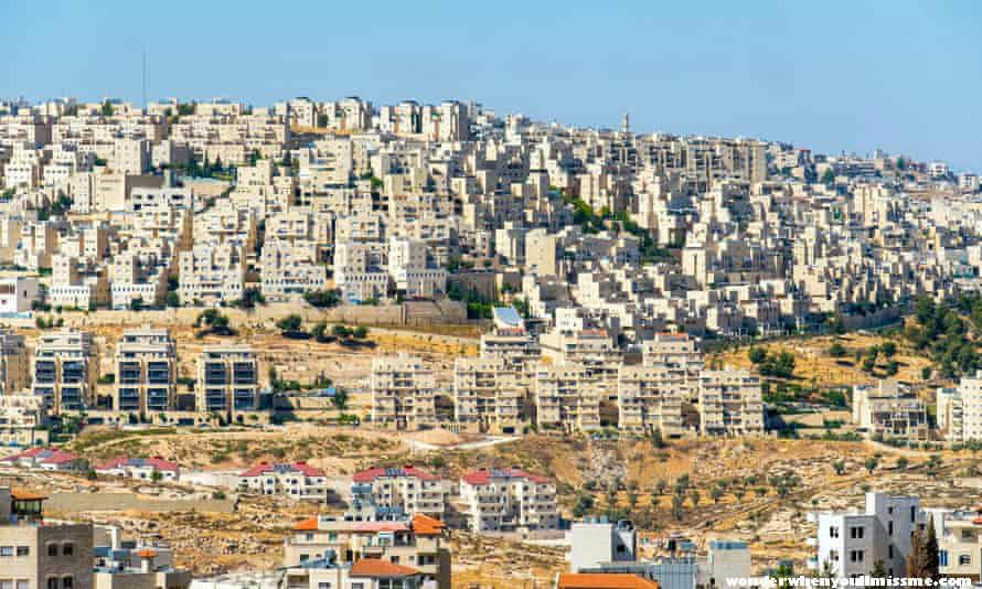 West Bank ค่ายผู้ลี้ภัยเจนิน ที่ถูกยึดครองเวสต์แบงก์กลุ่มติดอาวุธปาเลสไตน์เริ่มปรากฏให้เห็นมากขึ้นเรื่อยๆ เนื่องจากความคับข้องใจกับ
